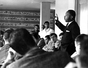 Dr. King speaks to students and faculty at a College of Social Studies luncheon, October 21, 1963. Photograph by Rudolph Vetter.Courtesy Special Collections & Archives.